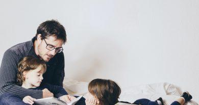 Четем всеки ден у дома: Цветомира и нейната впечатляваща лична разходка из дебрите на четенето